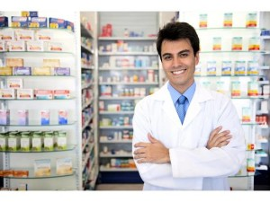 how-much-does-a-pharmacist-make-featured